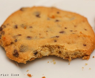 Chocolate macadamia cookie – double baked