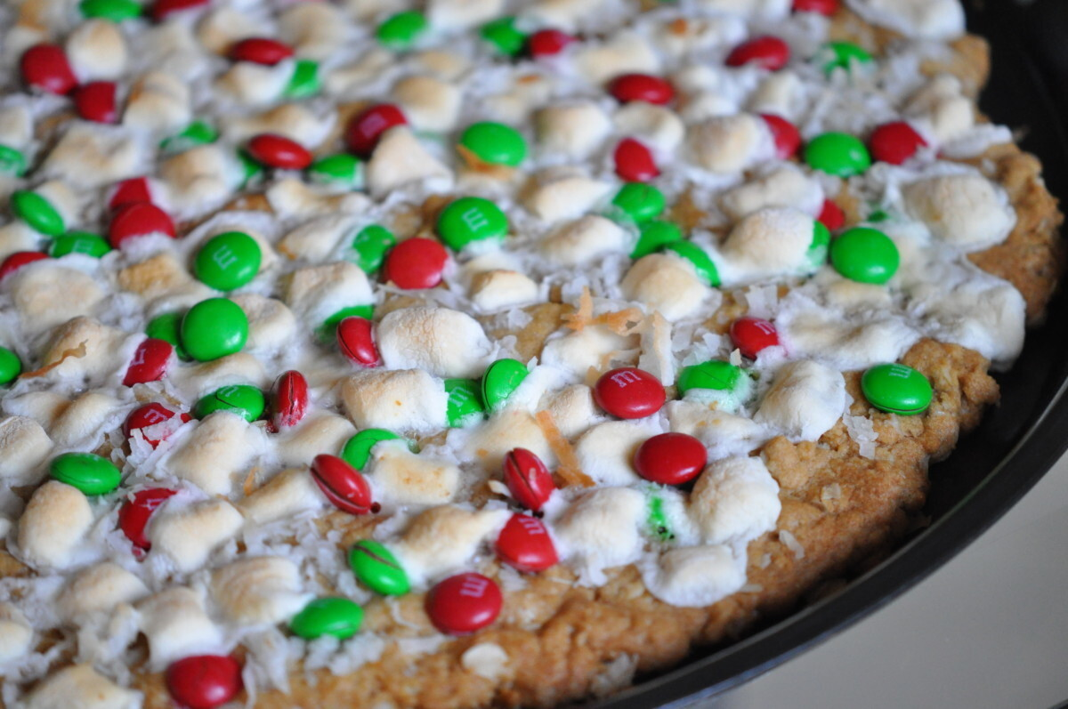 Fun Christmas Recipes- Oatmeal Chocolate Pizza Makes Christmas Dessert