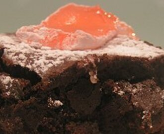 Chocolate and Turkish Delight Brownies
