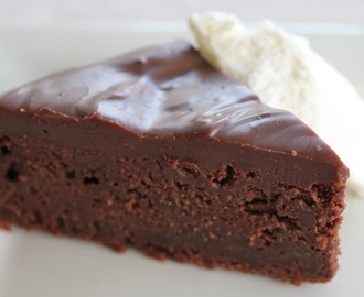 Decadent Chocolate Mud Cake