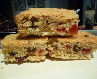Mixed Berry and Oat Slice