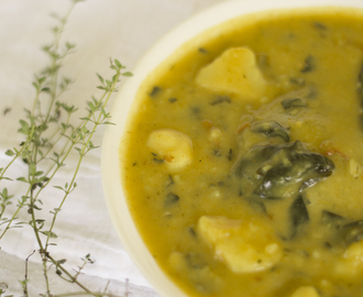 Spinach and curry potato soup