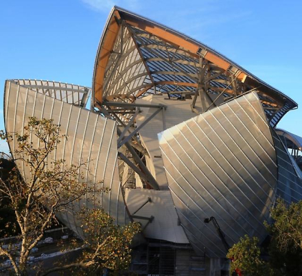The Fondation Louis Vuitton by Frank Gehry: A Building for the Twen...