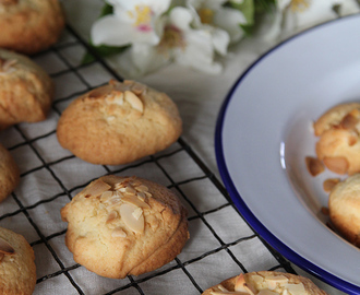 Gluten-Free Lemon & Almond Cookies