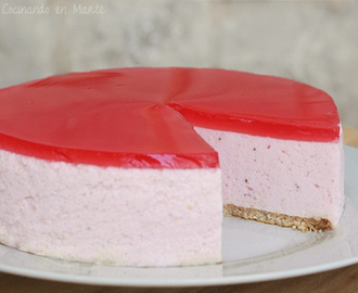 Tarta de queso y fresa (sin horno) {no-bake Strawberry cheesecake}