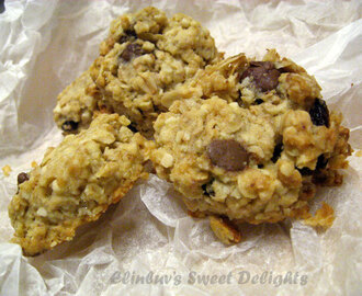 Oatmeal With Chocolate Chips And Sultanas Cookies