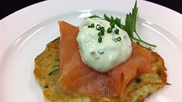 Zucchini fritters with smoked salmon and preserved lemon cream
