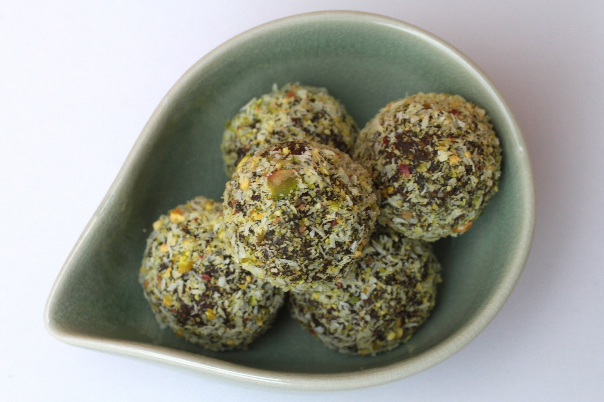 Green superfood balls