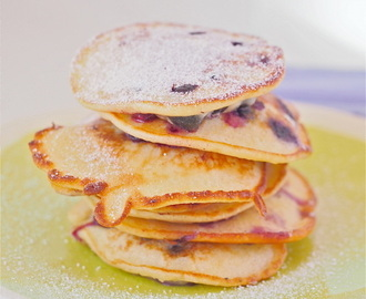 Blueberry hotcakes (pikelets) recipe