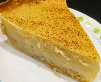 EASY Banana + Custard Pie {Recipe} + Pyrex is 100 {Giveaway CLOSED}