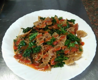 Pasta Con Kale Y Tomate Cherry