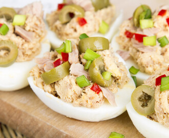 6-Ingredient Tuna Salad Stuffed Eggs