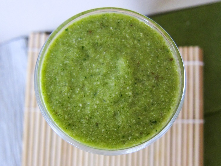 spinach melon cashew milk smoothie (raw & vegan)