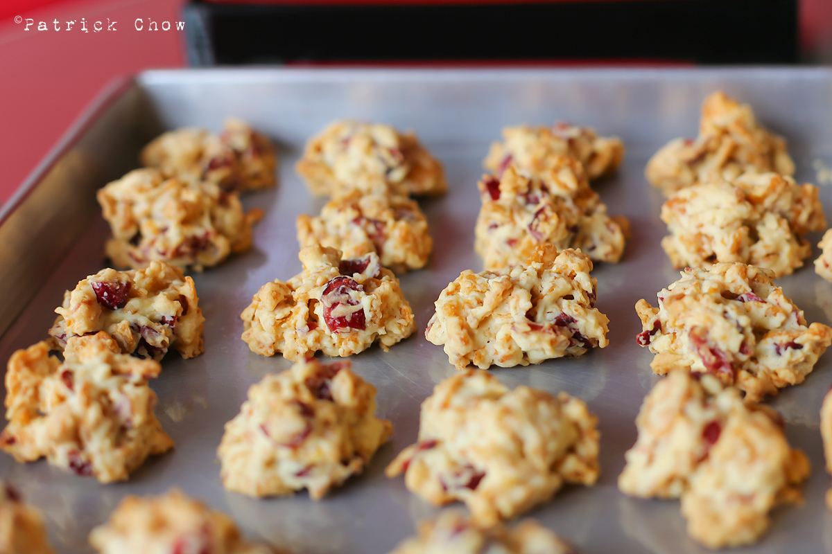 Cranberry cornflake drop cookie