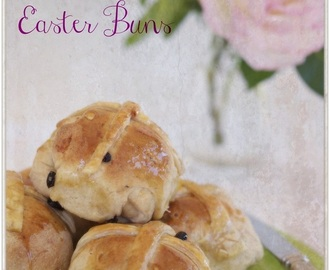 Hot Cross Easter Buns