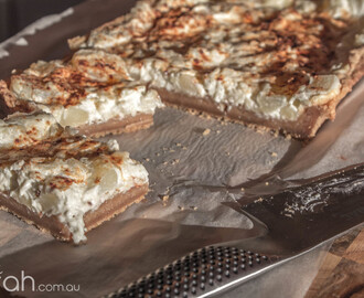 Recipe: Apple & Sour Cream Slice {No Cake Mix Version}
