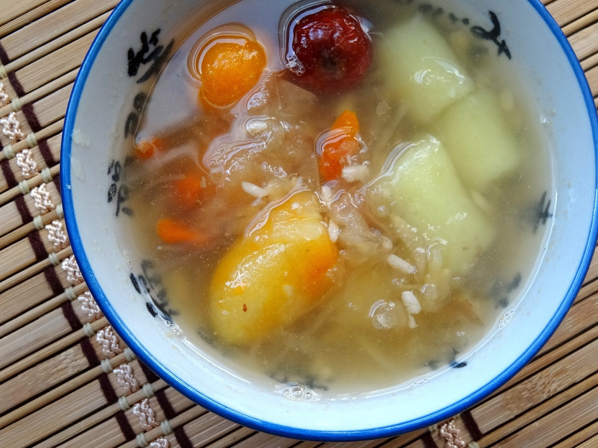 蜜棗酒釀蘋果地瓜圓 Sweet Potato Tapioca Balls in Apple Sweet Soup