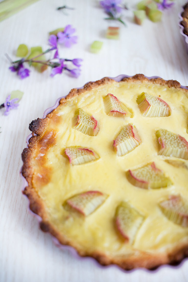 Low Carb Rhabarber-Pudding-Tarte