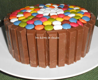 Torta Kit Kat y lacasitos