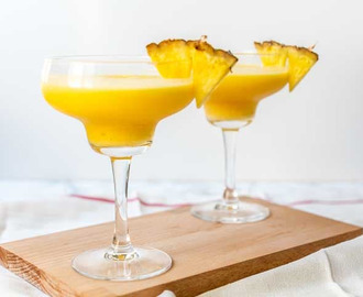 Mango daiquiri cocktail