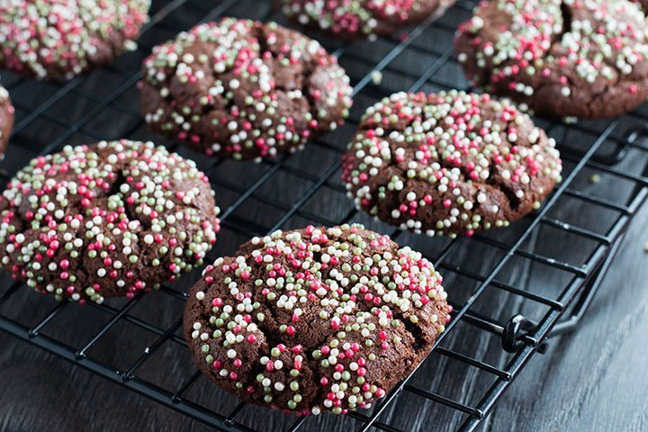 Chocolate Christmas Crinkle Cookies