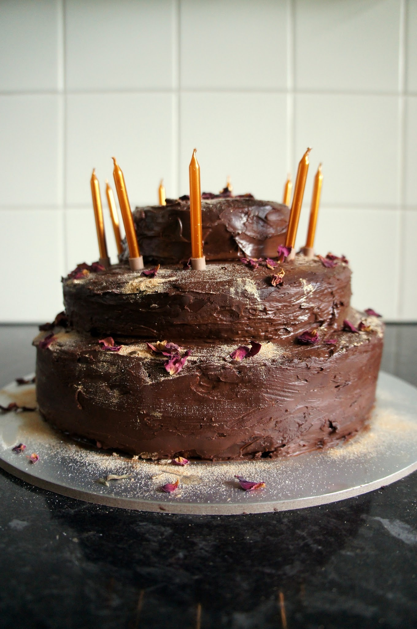 Tiered orange sponge cake with chocolate ganache icing {vegan and diabetes friendly}