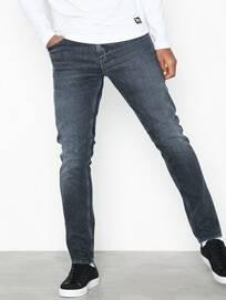 81194d637079 Jeans Herr online, billiga kläder på nätet - OutletSverige.se