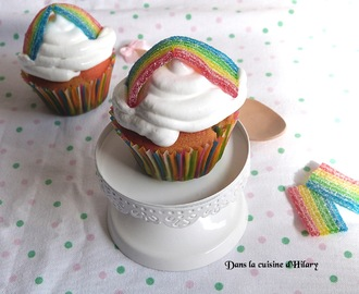 Cupcakes double arc-en-ciel et leur glaçage au fluff / Rainbow cupcakes and their fluff icing