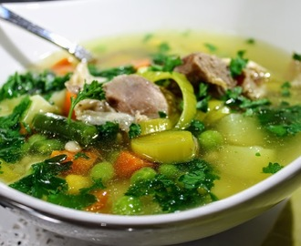 Ćureća povrtna čorbica (Turkey and vegetable soup )