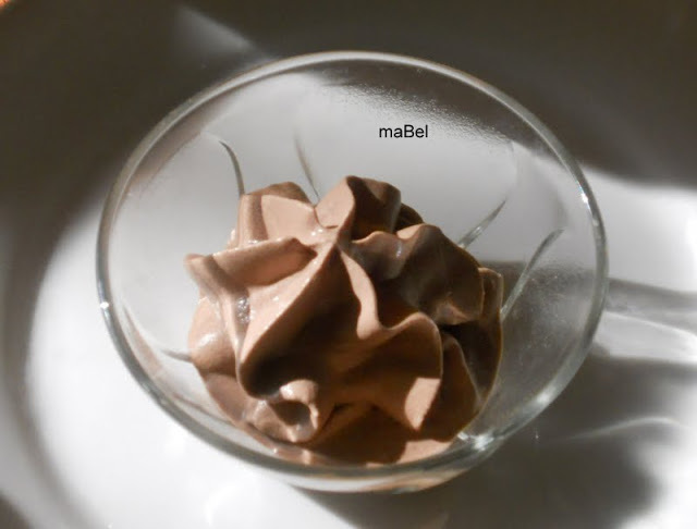 Mousse de chocolate con sifon