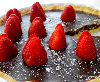 Chocolate Salted Caramel Pie with Strawberries
