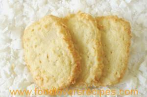 COCONUT SHORTBREAD BISCUITS