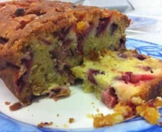Recipe: Strawberry, Lemon and Apricot Cake