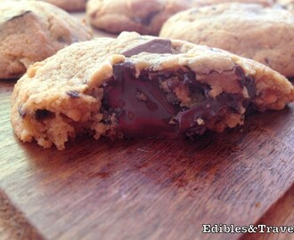 Sunday Sweets: Peanut Butter Cookies with Choc Crunch
