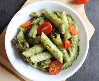 Pesto Pasta With Mushrooms And Cherry Tomatoes