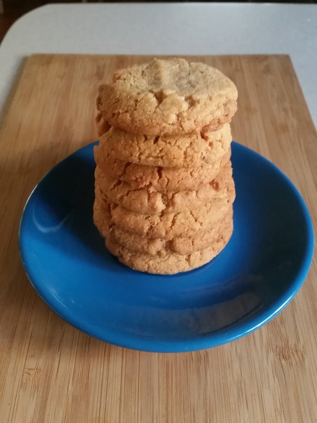Macadamia and Brown Rice Cookies