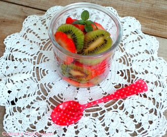 Salade de kiwis et fraises au sirop d'érable (Strawberry and kiwi salad with mapple syrup)