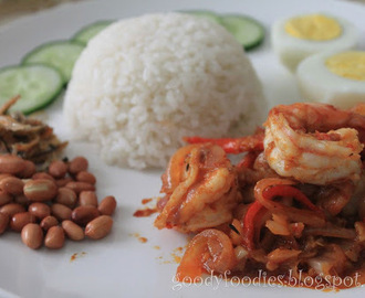 I cooked: Nasi lemak with sambal prawns