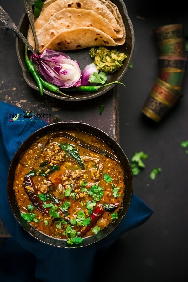 Matki Chi Usal (Moth Bean Curry)