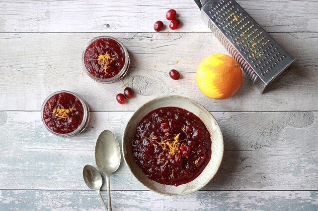Cranberry Sauce with Apple and Nutmeg