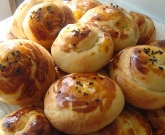 BRIOCHES TURQUES AUX FROMAGES