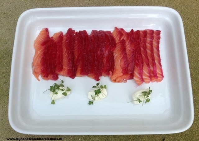 Zalm gemarineerd in jenever en biet - gravad lax 2.0