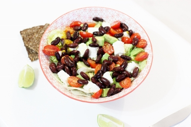 Salade mexicaine (haricots, avocat, tomate, feta)