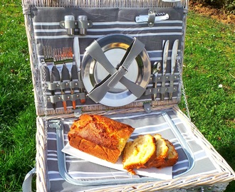 Cake gourmand pommes, ananas, noix de coco et gingembre (Delicious apples, pineapple, coconut and ginger cake)