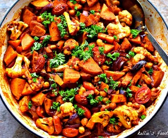 One-Pot Sweet Potato, Cauliflower and Chickpeas Shawarma Recipe {vegan}