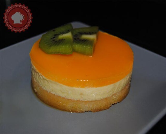 Bavarois aux fruits de la passion et gelée de mangue
