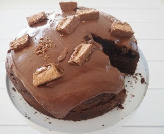 One Bowl Chocolate Mars Bar Cake