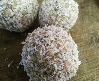 Apple and Cinnamon Bliss Balls