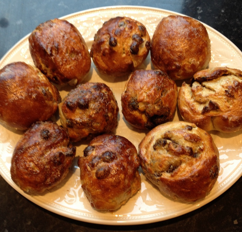 vandotsch speculaas spice infused hot cross buns (without the cross) - krentenbollen