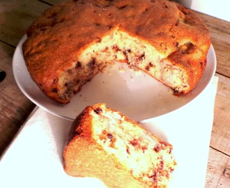 Gâteau aux bananes, pépites de chocolat et noix (Banana Cake, Chocolate Chips and Nuts)